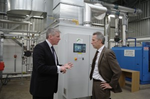 Project leader Chris Johnston and North Antrim MP Ian Paisley discuss the reasearch work at AFBI's Environment and Rural Energy Centre